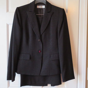 Black & White Tahari Pinstripe Women's Skirt Suit